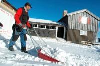 Fizyczna praca w Norwegii – pracownik przy odśnieżaniu bez języka Drammen